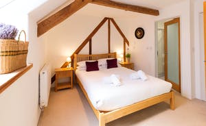 Pipits Retreat, Stonehayes Farm - Bedroom 1 has a king size bed and an en suite shower room
