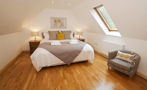 Flossy Brook - Bedroom 5 is large room with room for 2 extra single beds
