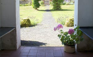 Pound Farm - On those blazing hot summer days, the cool of the house offers shade from the sunny front garden