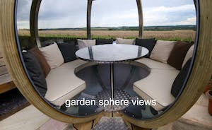 Lady Nina Cottage - Garden sphere views