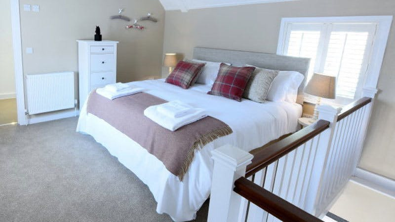 luxury accommodation suite in charlton west sussex near goodwood