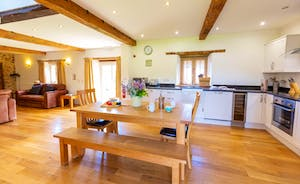 Whinchat Barns - Wagtail Corner is all light and airy and open plan downstairs