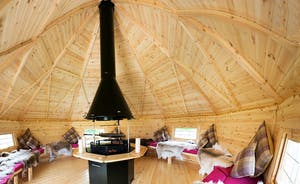 Ham Bottom - Snuggle up beneath the twinkly lights in the BBQ lodge
