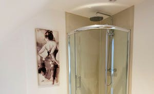 The Granary - Modern luxury in the en suite shower room for Bedroom 9