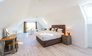 The Granary - Bedroom 9 is on the second floor and can be a superking or a twin room, with the option of 2 extra single beds