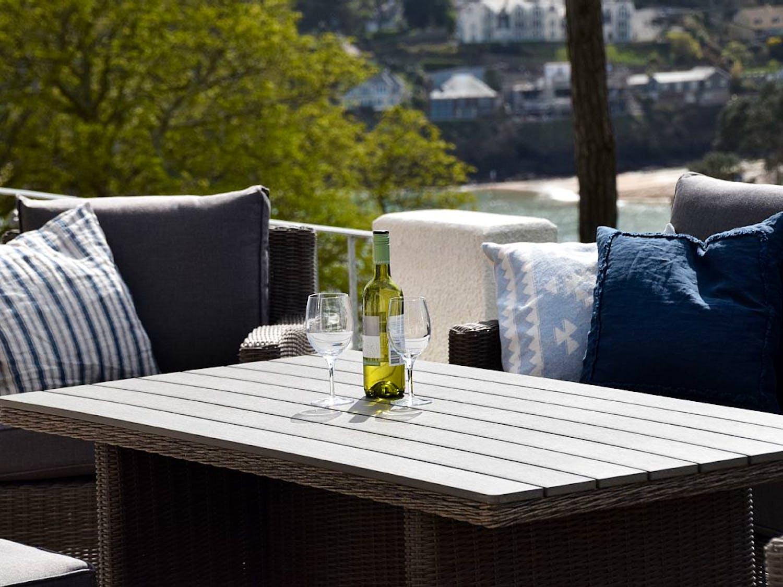 5 hazeldene sandhills rd salcombe 2 bedroom apartment for Dinner on the terrace
