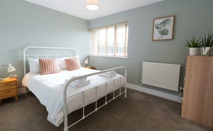 The Plough - Bedroom 8: This ground floor room has a kingsize bed
