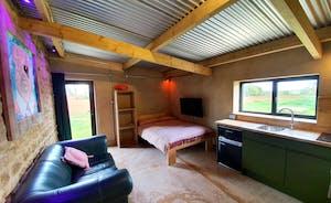Pig shed