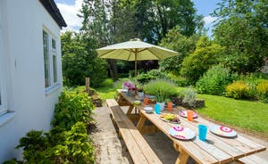Culmbridge House - Have lunch on the patio; the garden is a delight