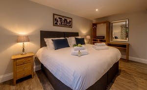 Kingshay Barton - Bedroom 10 (Foxwell) is another room accessed from the courtyard