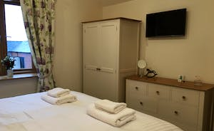 Foxhill Lodge - Bedroom 4: Superking or twin - it's up to you