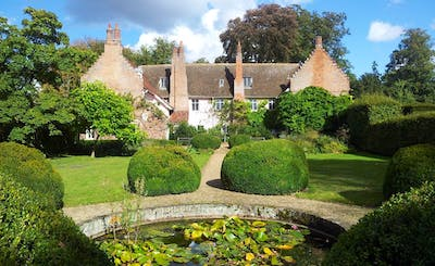 Short Breaks at Blo Norton Hall