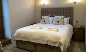 Foxhill Lodge - Bedroom 2: superking or twin?