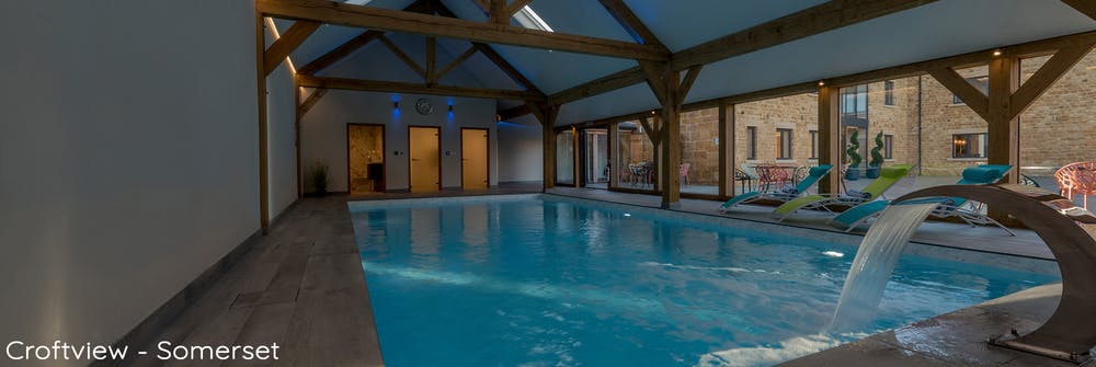 huge somerset holiday barn sleeping up to 30 in 13 en suite bedrooms, with private spa hall, indoor pool, hot tub, sauna and games room