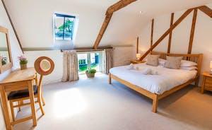 Wagtail Corner, Stonehayes Farm: Bedroom 1 has plenty of country charm