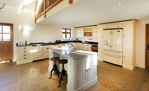 Bumblebee: the spacious kitchen is perfect for entertaining