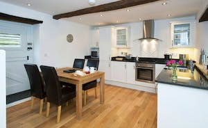 Siskins Nook, Stonehayes Farm: To one end of the ground floor living space is a modern styled kitchen