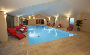 Beaverbrook 30 - Plenty of room for loungers around the pool