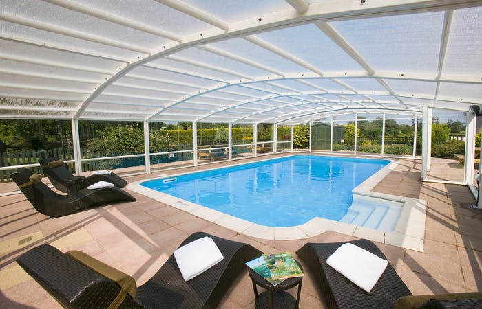 Somerset group accommodation for 12 with indoor pool and hot tub