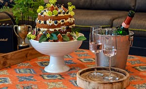 Pigertons - Book for celebrations with friends and family