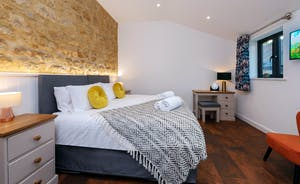 Churchill 30 - Bedroom 7 sleeps 2; all rooms have zip and link beds at Churchill 30 (superking or twin)