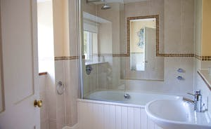 Hurstone : Ensuite bathroom for Bedroom 6