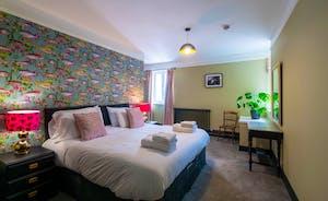 Bedroom 7 Kingsize