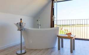 The Granary - Views that stretch far across the beautiful Somerset countryside - right from bath tub in Bedroom 8
