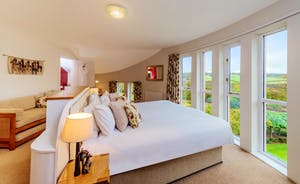 The Cottage Beyond: Bedroom 2 - kick start the day with those spectacular views!
