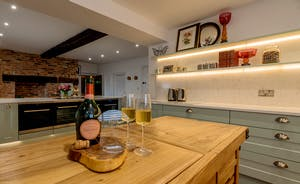 Hesdin Hall - Centuries old features, an on-trend kitchen: it works so well