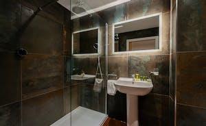 Churchill 30 - Bedroom 7 has an en suite shower room
