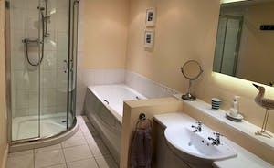 Brooklyn Barn bathroom