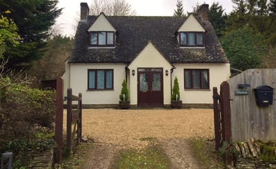 Short Breaks at Whiteshoots Holiday Cottage