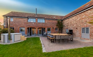 Whimbrels Barton - Group Accommodation For 16 in Somerset