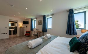 Churchill 30 - Bedroom 2 sleeps 5 so it's a great room for a family