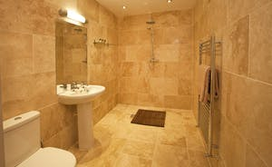 Holemoor Stables - Bedroom 3 has a lovely en suite wet room