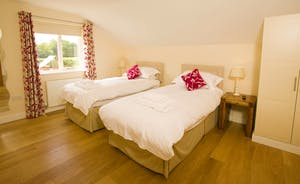 Fuzzy Orchard - On the first floor, Bedroom 4 has an en suite wet room