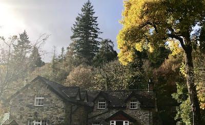 Short Breaks at Aber Cottage (7 People)
