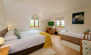 Wayside: Bedrooom 1; light and airy and very restful, like all the bedrooms as Wayside and Sleeps 3 with a en suite
