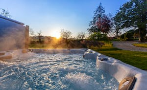 Pippinsands, Stonehayes Farm - Relax in the hot tub, beautiful countryside all around you...