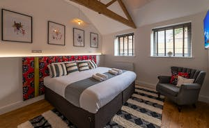 Pigertons - Bedroom 1: Calm and restful with room for an extra bed