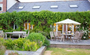 House On The Hill - Unhurried lunches or afternoon tea in the garden; perfect.