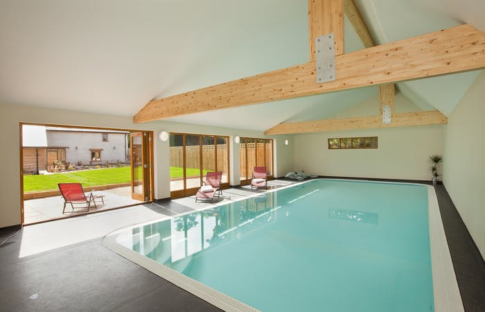 Somerset big barn conversion sleeps 12 with indoor pool, hot tub and games room