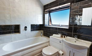 Shires - An on trend shared bathroom for Bedrooms 2 and 3