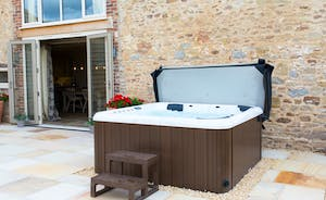 Stunning hot tub overlooking the fields