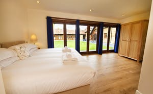 Coat Barn - Another bright and airy room, Bedroom 7 is also on the ground floor, with an en suite shower room