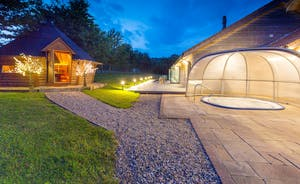 Fuzzy Orchard - There's a cosy BBQ lodge and a covered hot tub for year round use