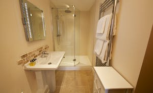 Quantock Barns - The Wagon House: Bedroom 2 has an ensuite bathroom with a lovely big walk in shower