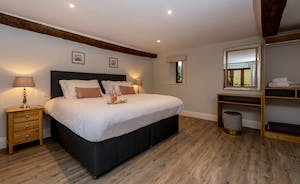 Kingshay Barton - Bedroom 6 (Moultons) sleeps 2 with room for an extra single bed (charged)