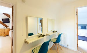 Frog Street: Between Rooms 1 and 2 in the Orchard Suite is a dressing area
